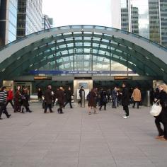 Canary_Wharf_Station_Entrance